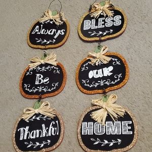 Other - Set of pumpkin wall hangings